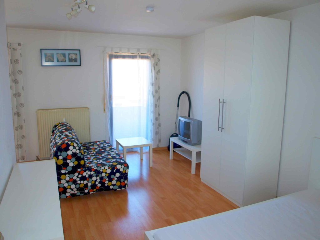 mannheim rheinau s d perreystrasse 55 1 archive welcome. Black Bedroom Furniture Sets. Home Design Ideas